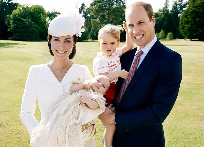 Принц Уильям и Кейт Миддлтон с детьми Георгом и Шарлоттой