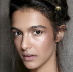 Стробинг: как сделать макияж в модной технике