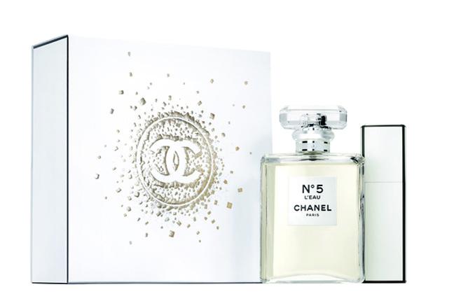 Подарочный набор N°5 L'EAU, Chanel, цена по запросу