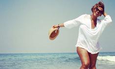Корнелия Манго показала пляжное фото