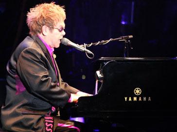 Элтон Джон (Elton John) спел для Дмитрия Медведева