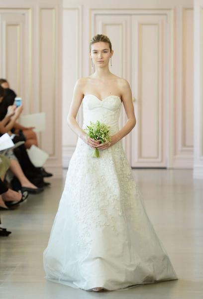 Дом Oscar de la Renta представил новую свадебную коллекцию   галерея [1] фото [15]