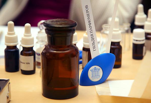 Чем пахнет Петербург: парфюмеры представили ароматы Северной столицы