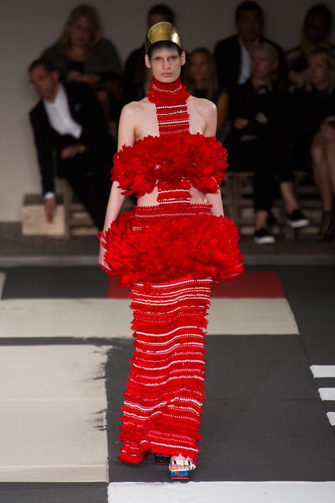 Alexander McQueen на Неделе моды в Париже