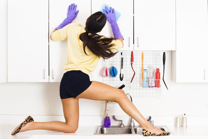 Почему большая часть домашних обязанностей до сих пор лежит на женщинах