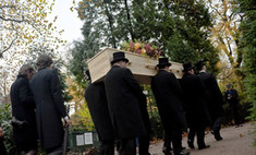 Солист группы Boney M похоронен в Голландии