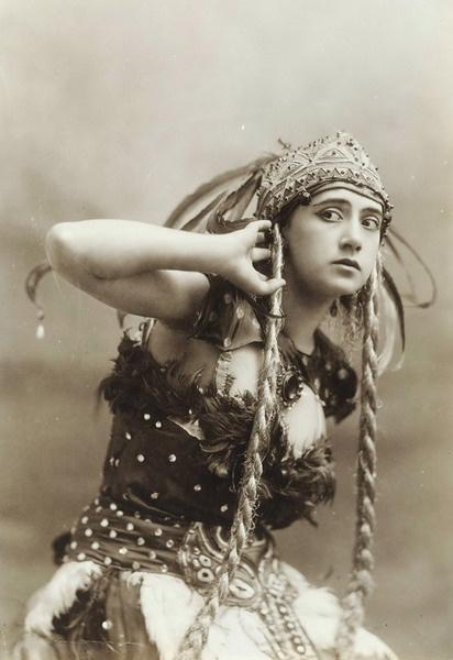 Тамара Карсавина – Жар-Птица. Спектакль «Жар-Птица». 1910.