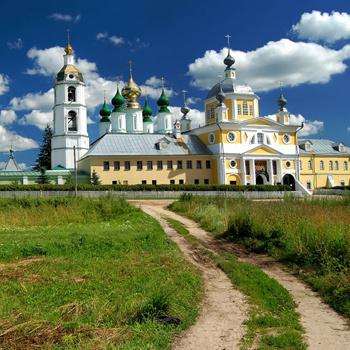 Самое бюджетное конное путешествие можно совершить в Ивановской области – на родине Андрея Тарковского.