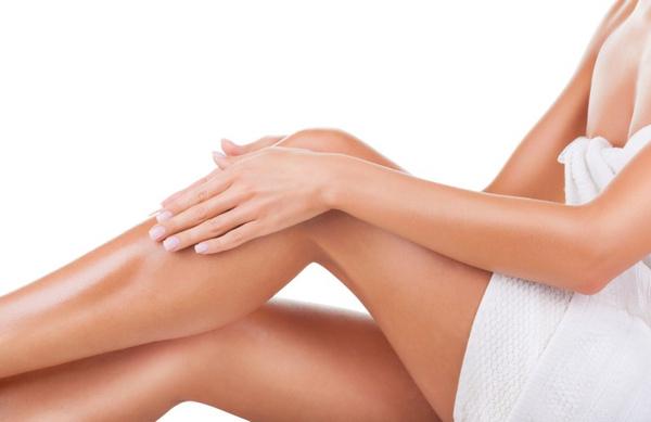 Брить ли ноги выше колена