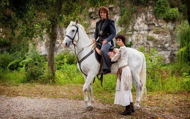 «Все могут короли»: Максим Галкин отправился в Средневековье
