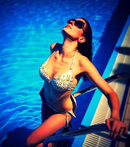 Лето 2015: отдых на море, девушки в купальниках фото