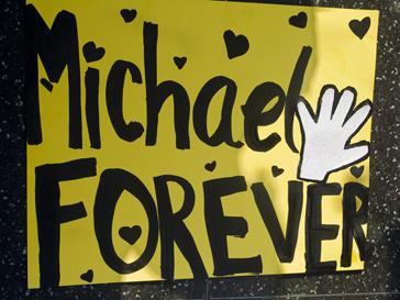 Плакат, посвященный Майклу Джексону