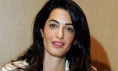 Вся в золоте: что Амаль надела на вторую свадьбу с Клуни