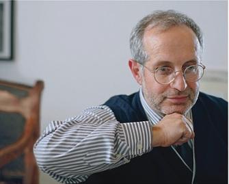 АЛЕКСАНДР БАДХЕН – психотерапевт, один из основателей санкт-петербургского Института психотерапии и консультирования «Гармония». Соавтор книги «Мастерство психологического консультирования» (Речь, 2006).