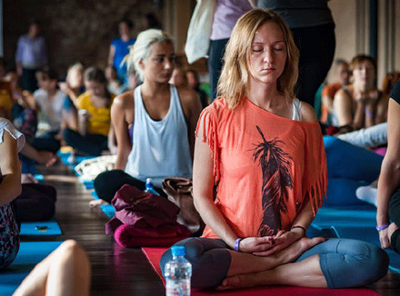 Благотворительный йога челлендж