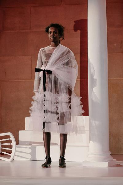 Самые красивые образы Недели моды в Лондоне | галерея [1] фото [45]