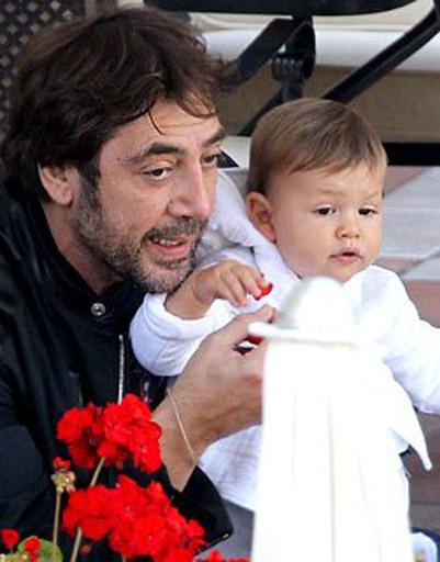 Хавьер Бардем (Havier Bardem) с сыном Лео