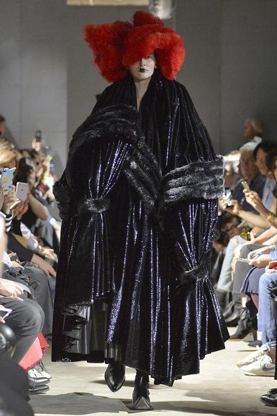 Неделя моды в Париже: день пятый   галерея [4] фото [7]