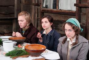 Аглая Тарасова в роли Люси в сериале «Гетеры майора Соколова»