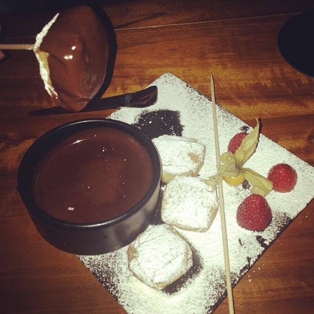 Шоколадное фондю в Parco