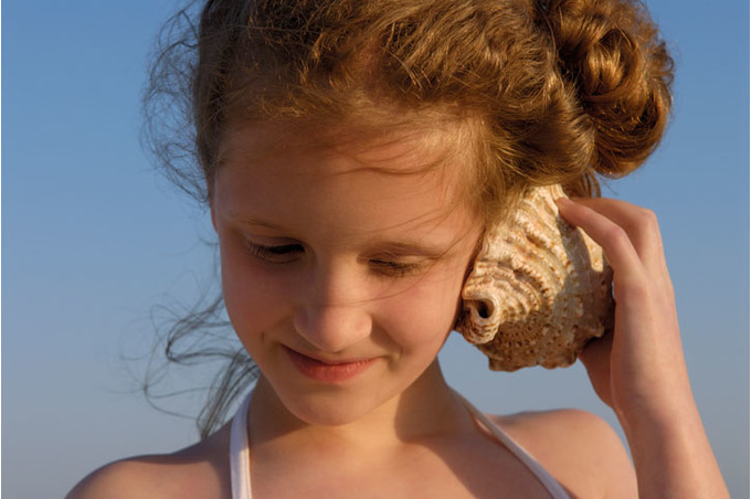 Девочка с ракушкой