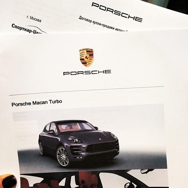 Виктория Дайнеко, Porsche Macan
