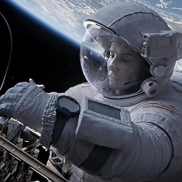 "кадр из фильма ""Гравитация"""