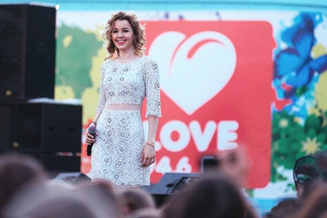 Юлианна Караулова поздравила Челябинск с Днем семьи, любви и верности