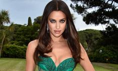 Ирина Шейк вышла в свет в очередном «опасном» платье
