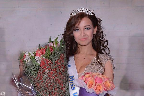 В Ульяновске выбрали Miss Bandy 2016: первую красавицу чемпионата мира по хоккею с мячом: конкурс выиграла Анастасия Чеснокова