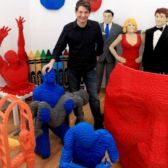 Лего-скульптор Натан Савайя уверен, что каждый человек может найти в себе силы и заняться любимым делом, даже если другим людям оно будет казаться немного странным.