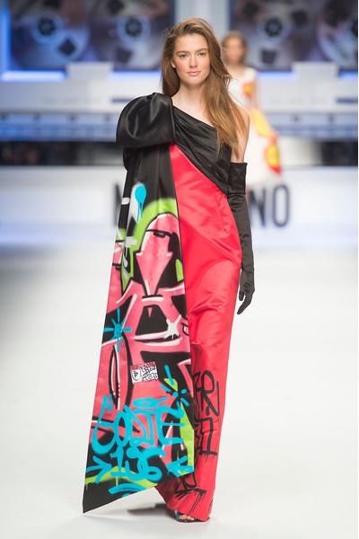 Показ Moschino на Неделе моды в Милане | галерея [5] фото [11]