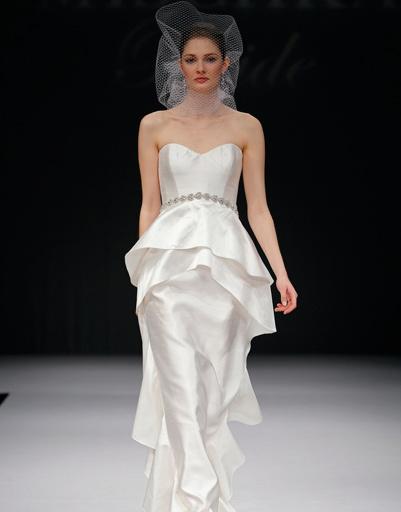 Свадебное платье Badgley Mischka, коллекция весна-лето 2012