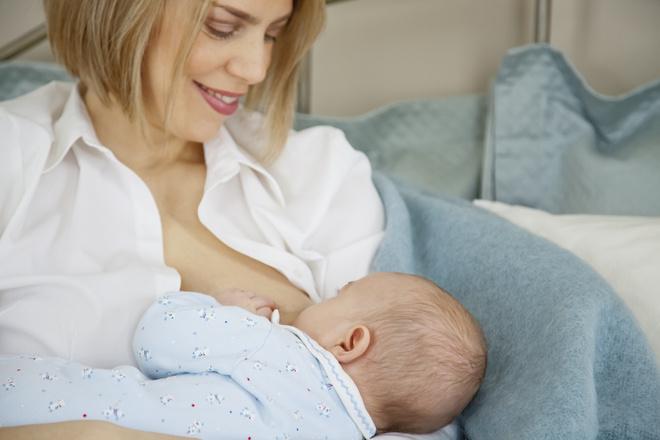 сколько ест новорожденный