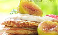 Банановые оладьи с инжиром