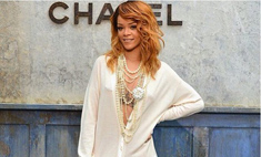 Модный просчет: Рианна надела слишком откровенное платье