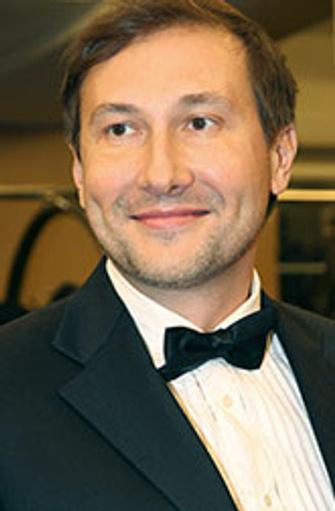 Николай Лебедев, сценарист, режиссер, лауреат Государственной премии России и многих кинопремий за фильм «Звезда» (2002). Среди других картин – «Змеиный источник» (1997) и «Волкодав» (2006).