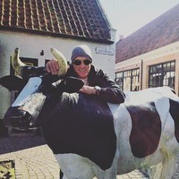 Жан-Клод Ван Дамм делится снимками в инстаграм