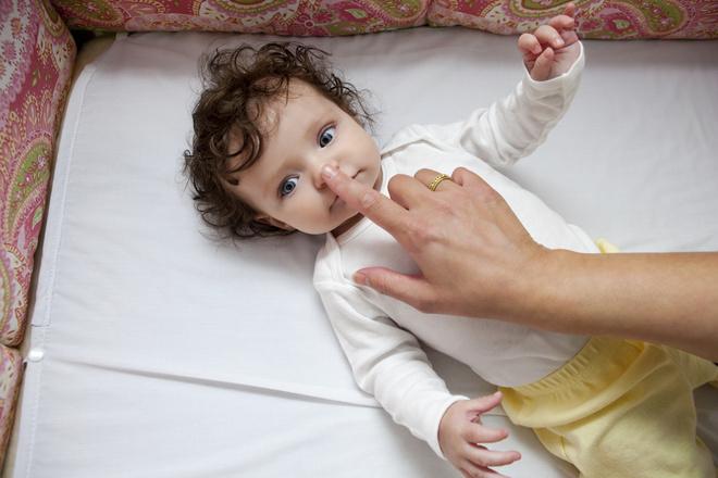 Почему ребенку нельзя закапывать нос нафтизином