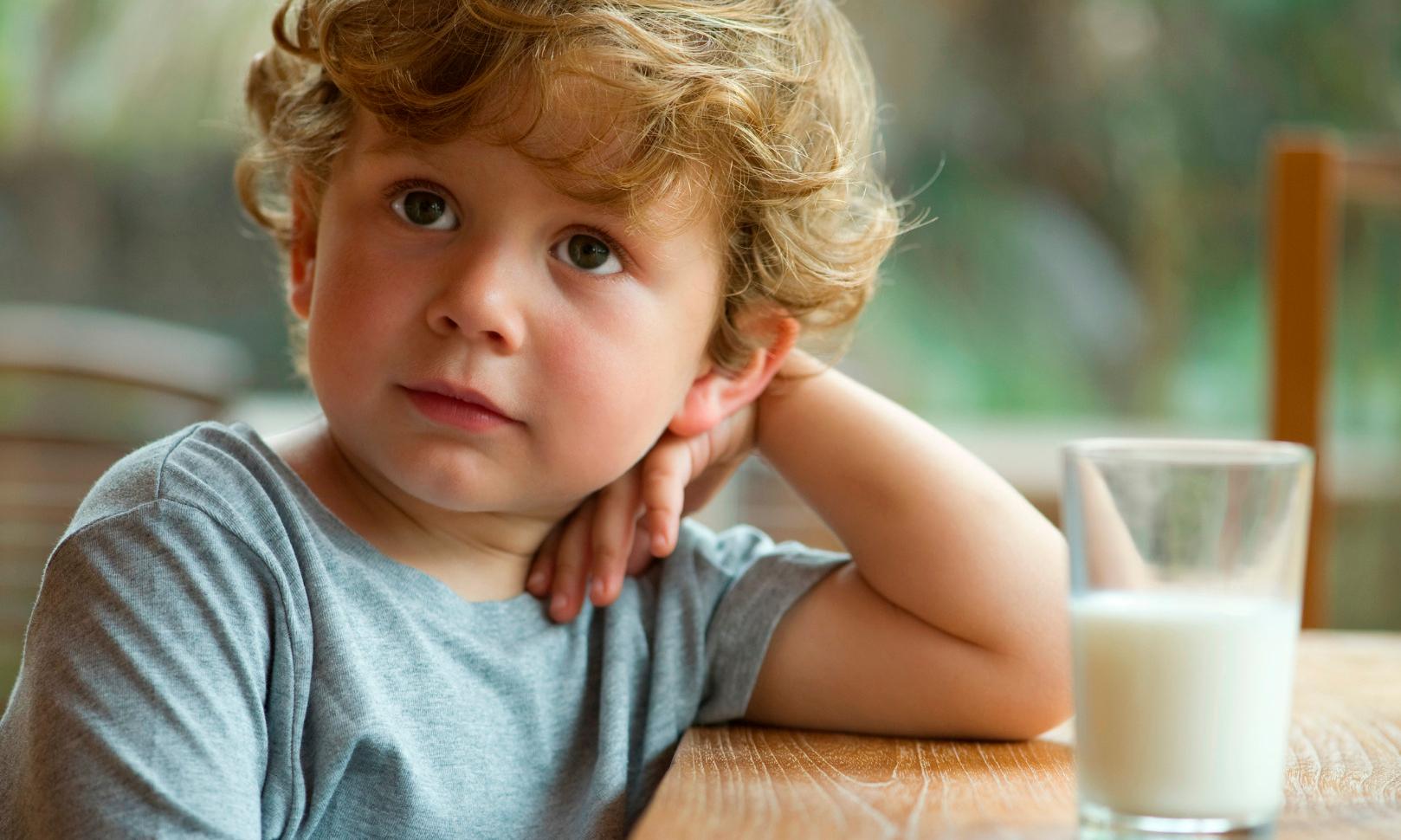 Можно ли давать детям растительное молоко: мнение врача