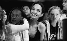 Джоли показала всех своих родственников, умерших от рака