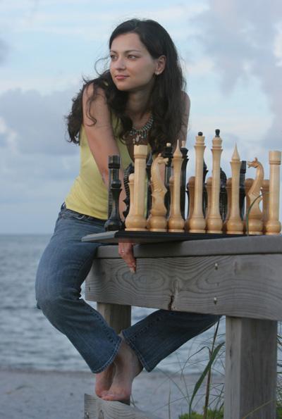 Ум принес ей титул гроссмейстера среди мужчин, а красота – фотосессии для журналов