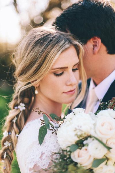 Как украсить цветами свадебную прическу?   галерея [2] фото [2]