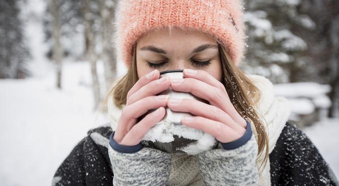 Почему мы переедаем зимой, и как с этим справиться
