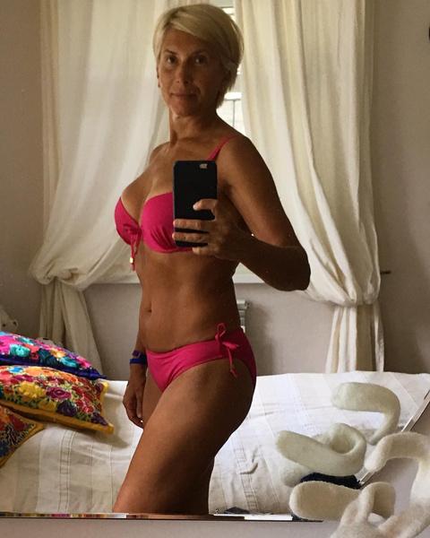 Алена Свиридова выложила «пенсионное» фото в бикини