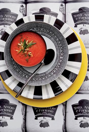 Суп-велюте из помидоров с цуккини