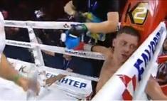 Боксер только после 9-го раунда узнал, что ему надо драться 12 раундов, а не 10. Момент узнавания на видео