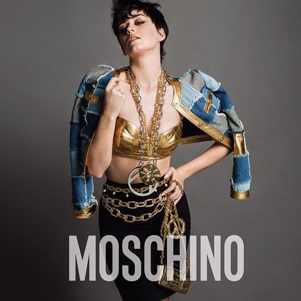 Кэти Перри в кампании Moschino осень-зима 2015/16