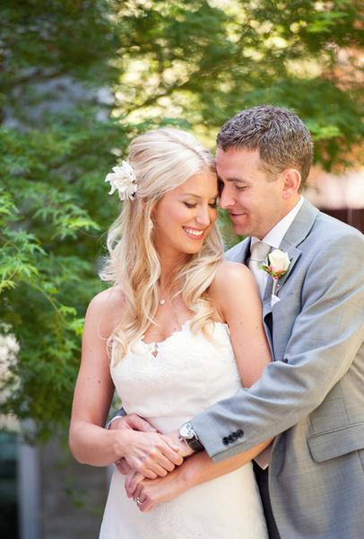 Как украсить цветами свадебную прическу   галерея [4] фото [4]