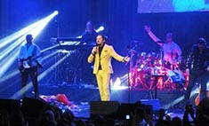 Иркутянин во время концерта перепел Стаса Михайлова